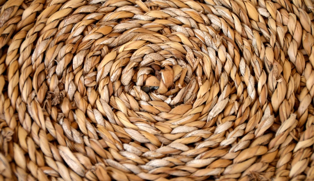 basket_braid_structure_woven_straw_natural_material_background_regularly-586906.jpg